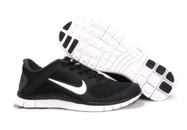 black and white nike shoes